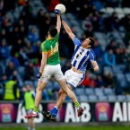 Ballyboden's Declan O'Mahony with Clonmel's Michael Quinlivan rise for the ball in Portlaoise.<span class=