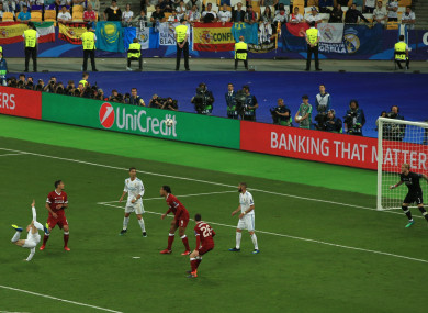 Gareth Bale scores Real Madrid's second goal.