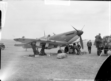 Arming a spitfire
