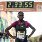 Mesera Dubiso winner of the 2018 SSE Airtricity Dublin Marathon<span class=
