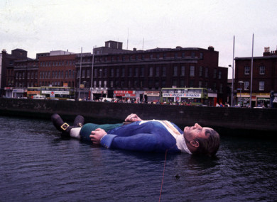 Gulliver floats down the Liffey in July, 1988