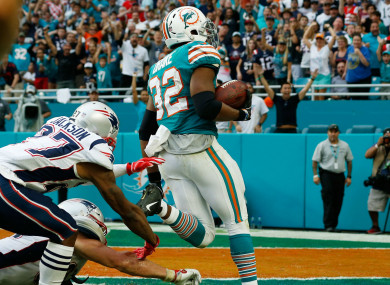 Kenyan Drake scores for the Dolphins.