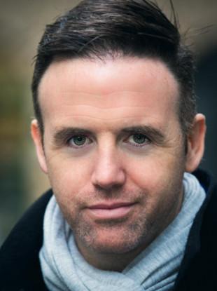 Professional Headshot of Tom Neville