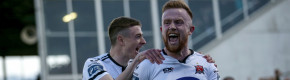 Dundalk's lucky strike in the 90th minute keeps the champions on top