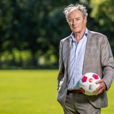Brian Kerr at the launch of Coca-Cola's €35,000 donation to Sport Against Racism Ireland.
