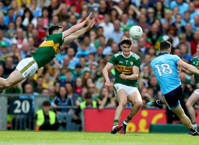 Paul Geaney attempting a block on Dublin's Diarmuid Connolly.