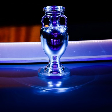 A general view of the Henri Delaunay trophy.