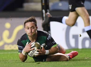 Caolin Blade scores a try for Connacht.