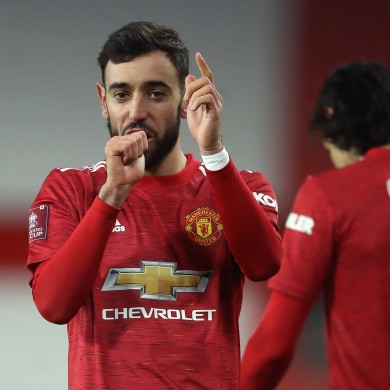 Bruno Fernandes celebrates his winning goal.