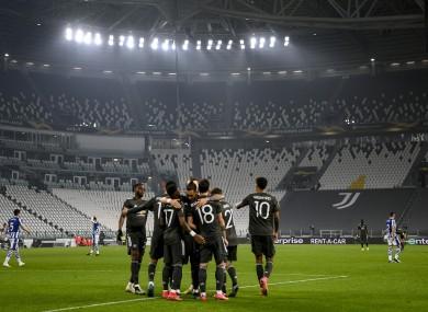 United celebrate Bruno Fernandes' first goal.