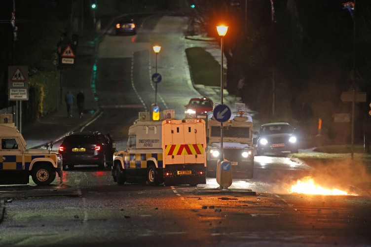 Police attacked once again in Northern Ireland violence