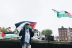 Palestinian protestors against the Israeli attacks on Gaza, at the Ha'penny Bridge in Dublin today