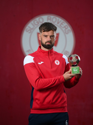 Greg Bolger poses with the SSE Airtricity SWAI Player of the Month Award for May.