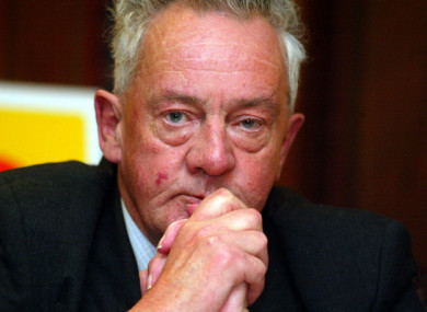 Des O'Malley campaigning for a Yes vote on the Nice Treaty in 2002.